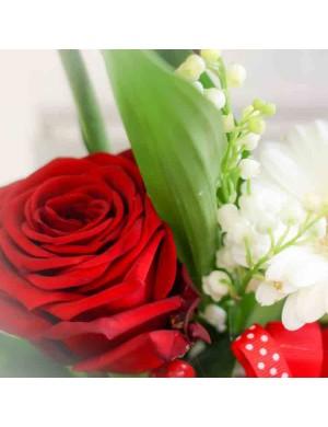 Bouquet de Muguet et fleurs tons rouges